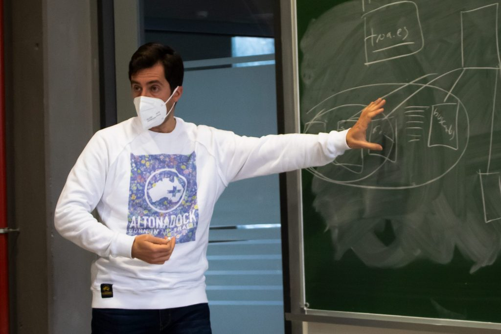 Miguel Cidre explica un sitemap